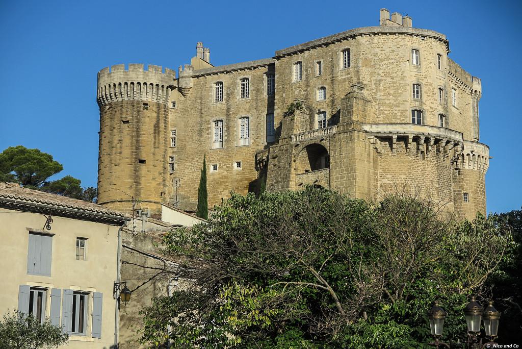 Visite du château de Suze la Rousse en Drôme Provençale, aux portes de la Provence